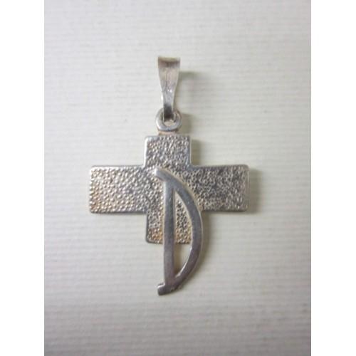 Crocetta in argento con D